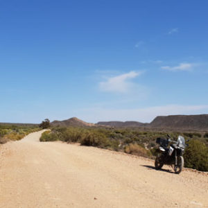 The road between Warmwaterberg Spa and Sanbona